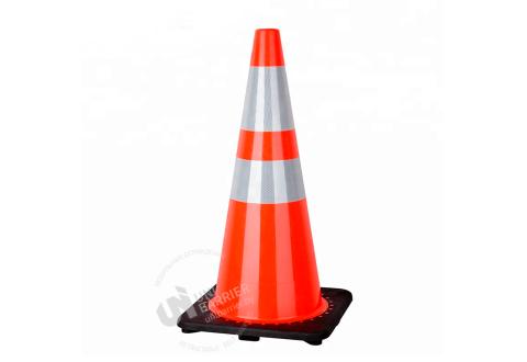 981124  Конус дорожный гибкий 75 см с черным резиновым основанием